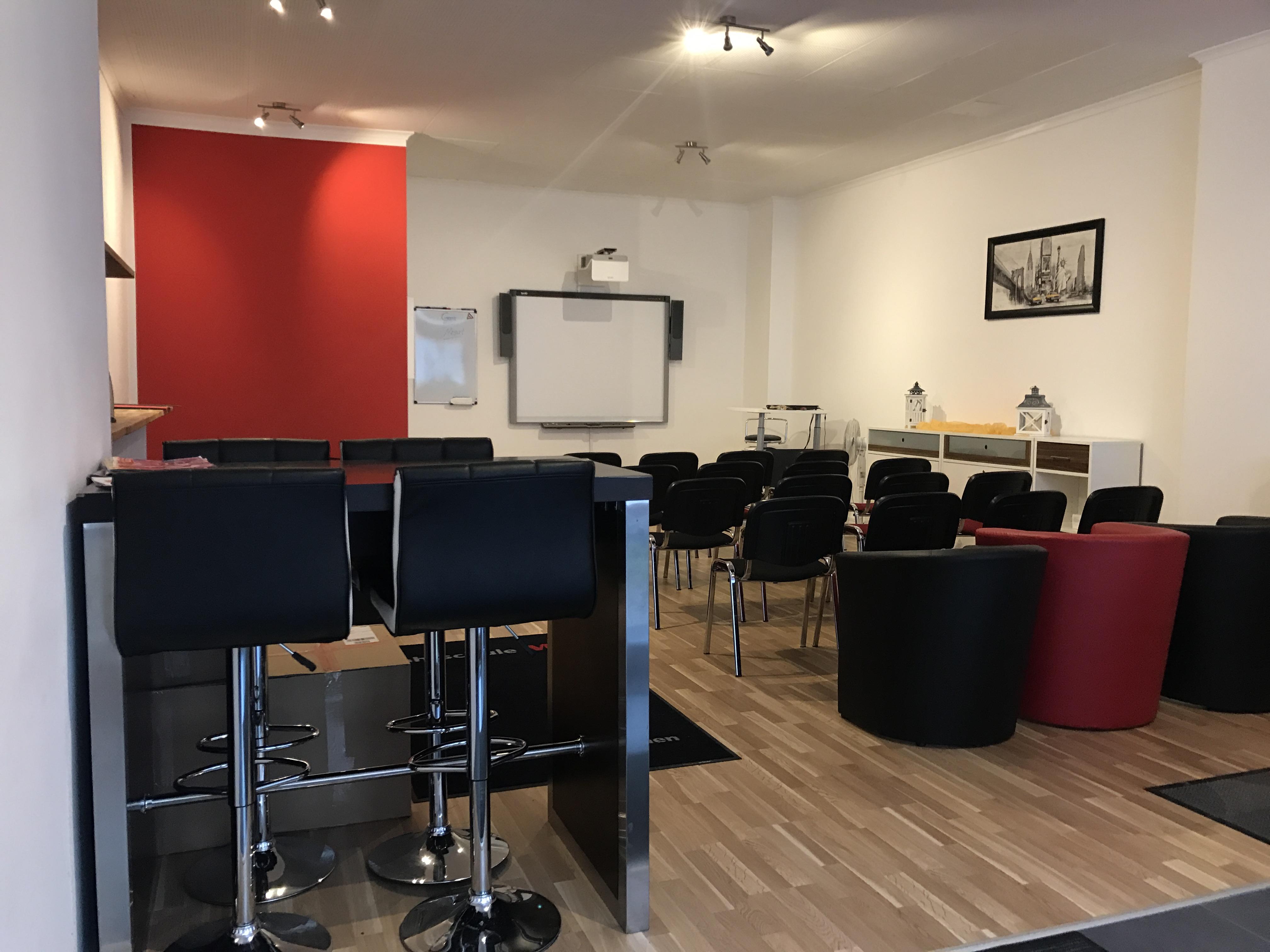 unsere filialen in m nchen bungsraum fahrschule m1. Black Bedroom Furniture Sets. Home Design Ideas